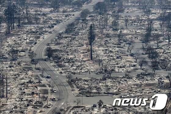 [사진] 죽음의 도시로 변한 캘리포니아 산타로사