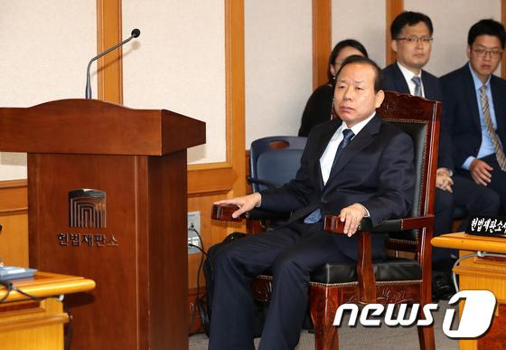 [국감]김이수 권한대행 논란, 헌재 국감 파행