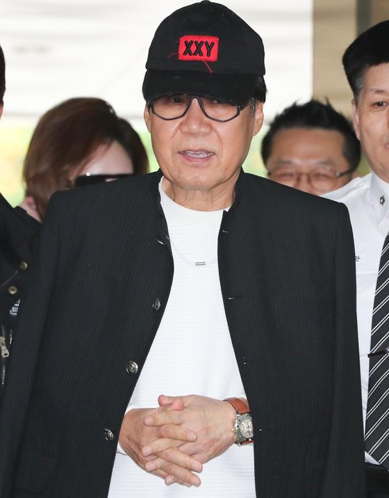 [N1★이슈] '대작 의혹' 조영남, 징역 10월·집행유예 2년 선고