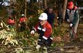 산불요인 인화물질 제거 작업하는 산림청장