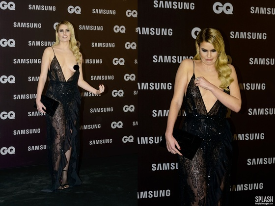 스페인 모델, GQ 행사서 가슴노출 사고…'황당 표정' 화제