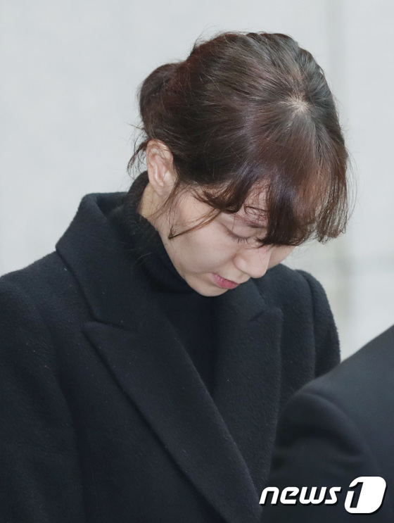 故김주혁, 발인식 엄수…이유영 눈물의 배웅