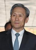 법원, '軍 댓글공작' 김관진 전 장관 석방 결정