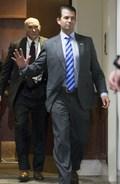 [사진] 상원서 증언하고 떠나는 트럼프 아들
