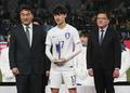 동아시안컵 MVP상 수여 받는 이재성