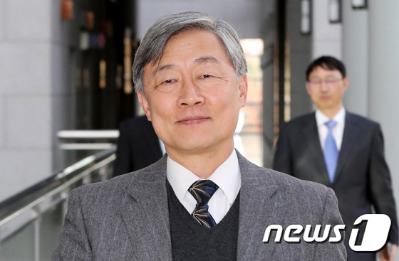 文정부 첫 감사원장 후보자에 최재형 사법연수원장