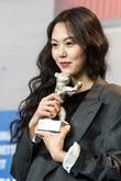 김민희X홍상수 '밤의 해변에서 혼자' 3월 23일 개봉 확정