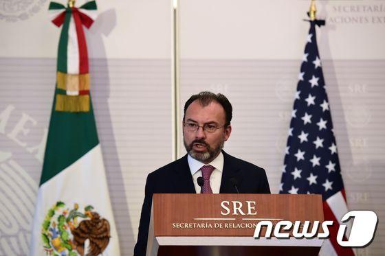 """뿔난 멕시코 외교  """"美 일방적 조치에 우려와 분노 """""""