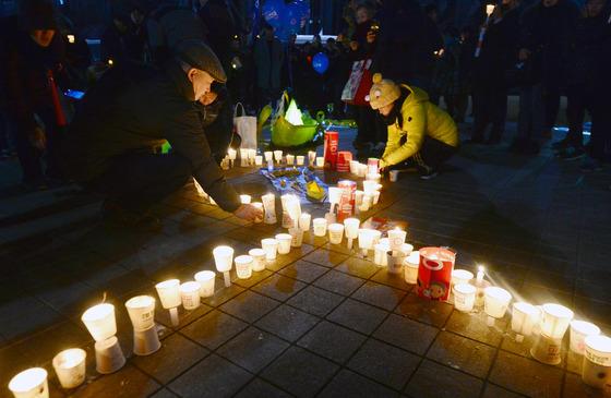 세월호 리본으로 태어난 촛불