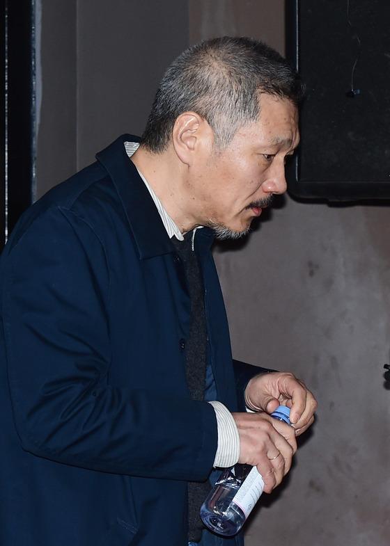 [N현장] '이혼 소송' 홍상수 아내, 변호인 미정+재판 불출석