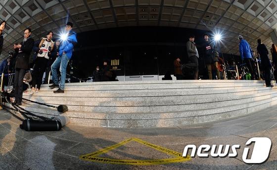 박근혜 전 대통령이 서게 될 '포토라인'