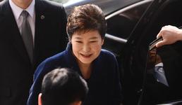 기각이냐 구속이냐…법원 출두 박근혜의 운명은