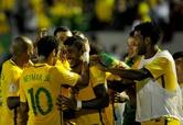 '파울리뉴 해트트릭' 브라질, 우루과이 완파…6연승 선두 질주
