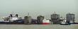 세월호 안착시킨 바지선과 반잠수식 선박