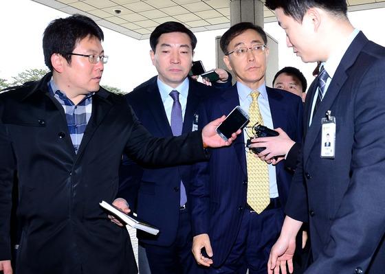 출근하는 김수남 총장