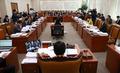 대통령직인수법 개정안  법사위 '진통'