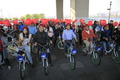인도네시아 여행객들과 자전거 타는 박원순
