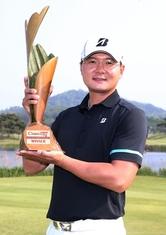 '늦깎이 골퍼' 김성용, 감격의 첫 우승