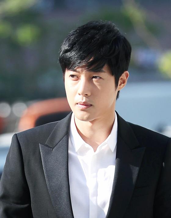 [공식]검찰, 김현중 전 연인 A씨에 징역 1년 4개월 구형