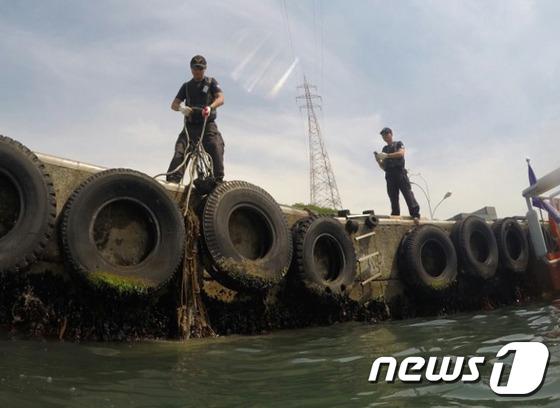 울산해경, 민관합동 울산항 수중정화활동