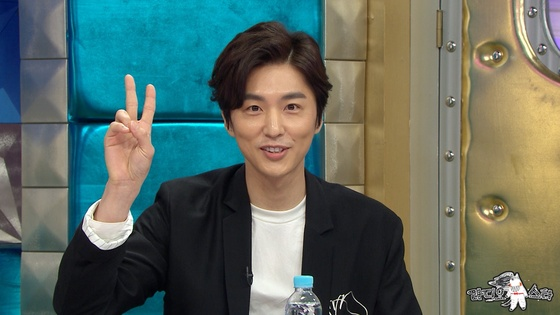 """신동욱, '라디오스타'서 복귀 소감 """"단절된 냉동인간이었다"""""""