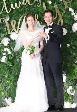 """'신혼부부' 주상욱♥차예련 """"패션 케미 100점"""""""