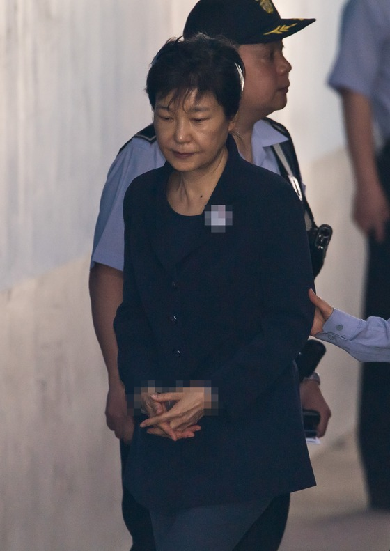 박근혜 전 대통령, 다시 법정으로
