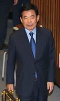 본회의 참석하는 김진표 국정기획자문위원