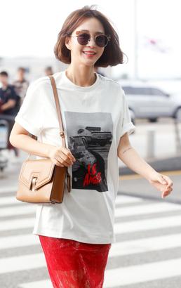 한예슬, 화보 촬영 방불케한 공항 패션 화제