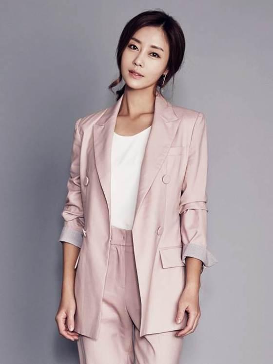 """[공식] 이지현 측 """"안과전문의와 9월말  결혼…가족끼리 조촐하게"""""""