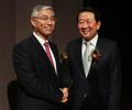 인사 나누는 박주선 국회부의장과 추궈홍 중국 대사