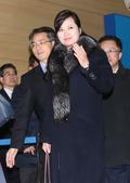 북으로 향하는 현송월 '다시 만나요'
