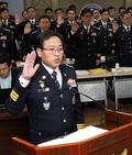 [국감] 선서하는 이용표 경남지방경찰청장