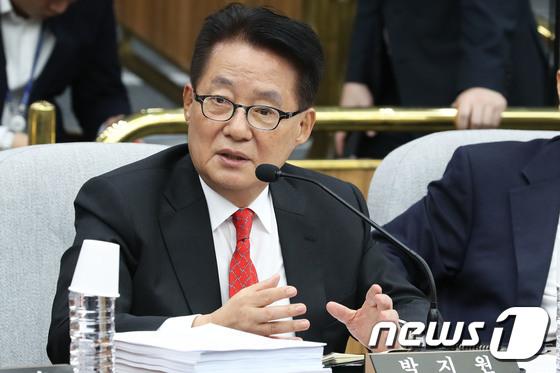 """박지원 """"한국당, 운동권보다 극렬한 투쟁…정치는 마이너스 30%"""""""
