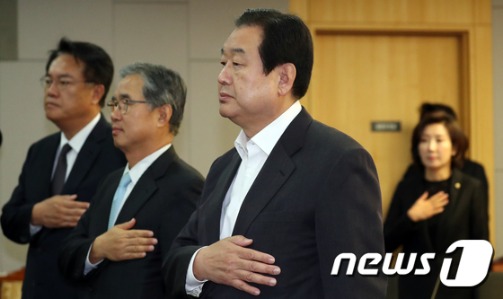 """김무성 """"文정부, 민노총 행태 외면…'이게나라냐' 탄식"""""""