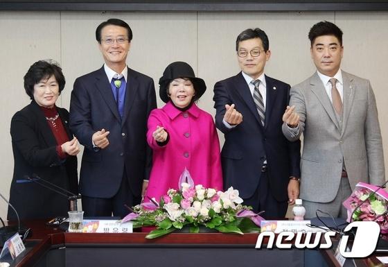 신안군, 연기자 김수미씨 홍보대사 위촉
