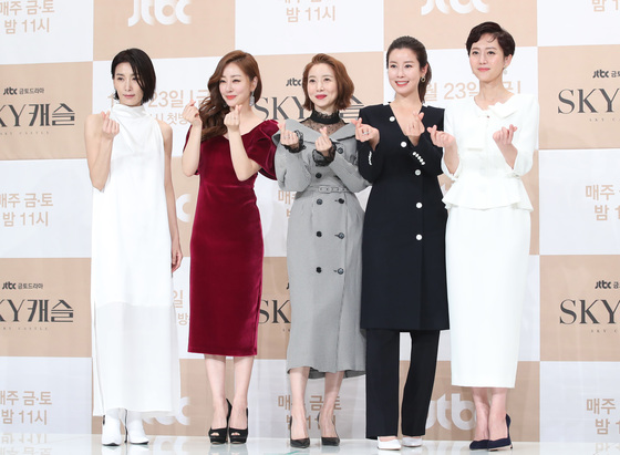 """[공식입장] 'SKY 캐슬', 25일 결방 확정…JTBC """"韓축구 아시안컵 8강 생중계"""""""