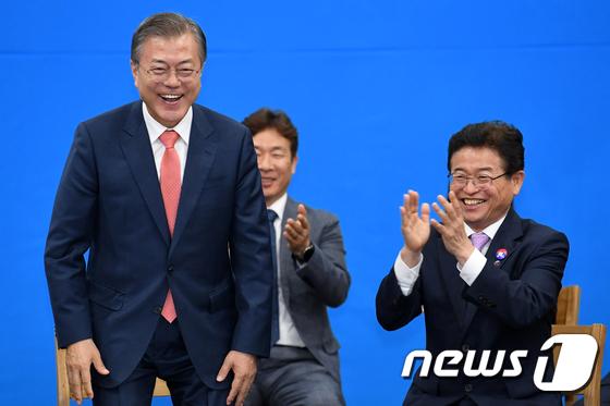 경북에서 환영받는 문재인 대통령