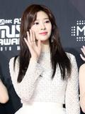 아이즈원 김민주, 눈에 별을 담았네
