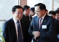 대화하는 장시권 대표 '방산업체 위기 극복 논의'