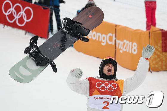\'황제 귀환\' 숀 화이트 세 번째 올림픽 금메달