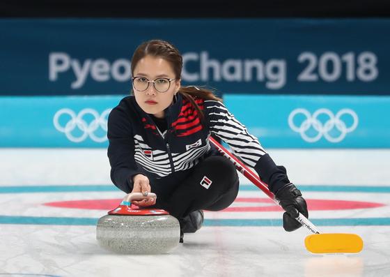 [올림픽] 두 얼굴의 '안경선배'…