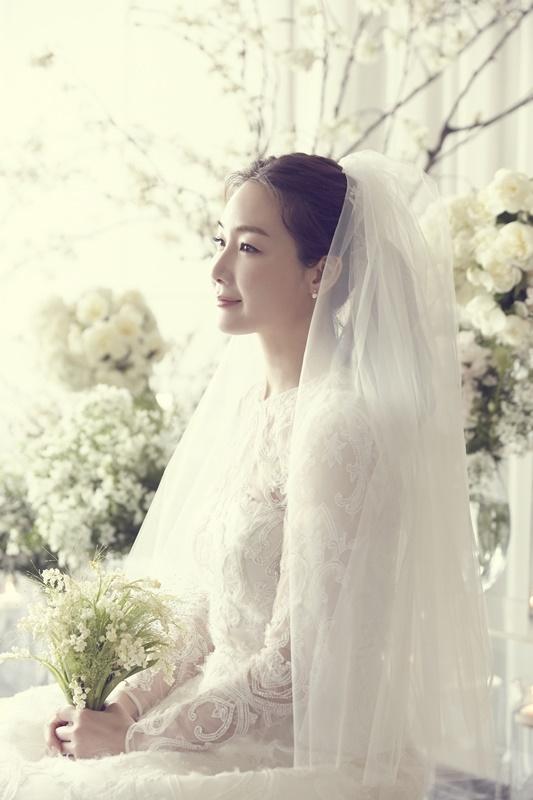 '깜짝 결혼' 최지우, 결혼식 사진 공개