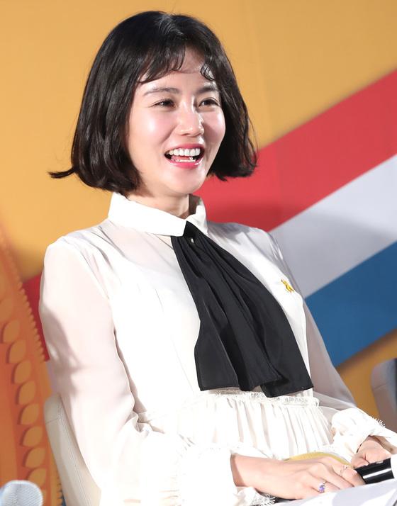 황우슬혜, 데뷔 10년 만에 첫 공개 열애