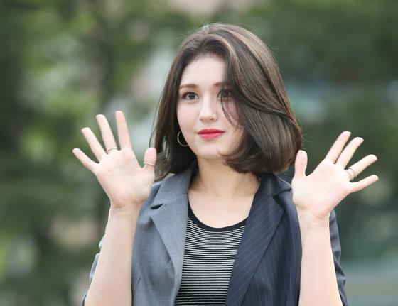 """전소미, JYP→YG 더블랙레이블 이적하나 """"확인 중"""""""
