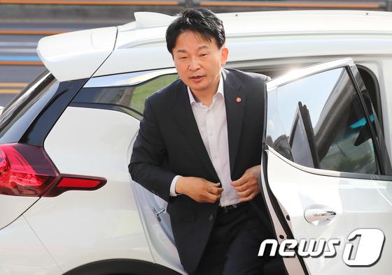 원희룡, 폭행사건 후 선거운동 재개