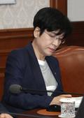 임시국무회의 참석한 김영주 장관