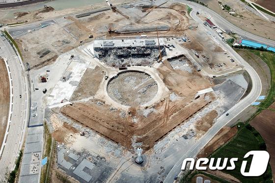 사라지는 평창올림픽 개폐회식장
