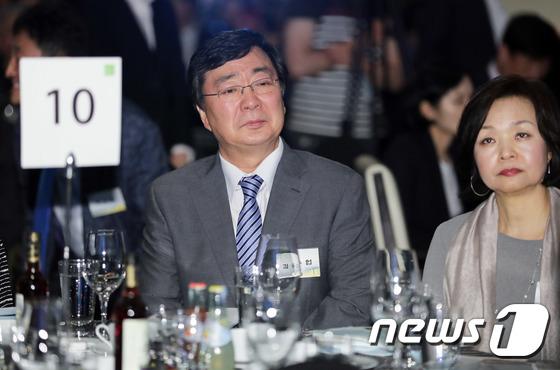 6·15 18주년 기념식 참석한 김홍업