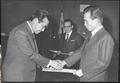 김종필 국무총리 별세...총리 임명장 받는 김 전 총리